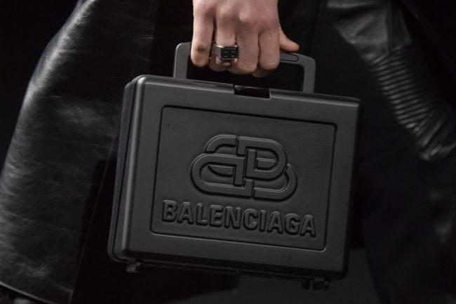 Модели сумок осень-зима 2020-2021 — box bag Balenciaga