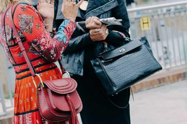 Какие женские и мужские сумки в тренде