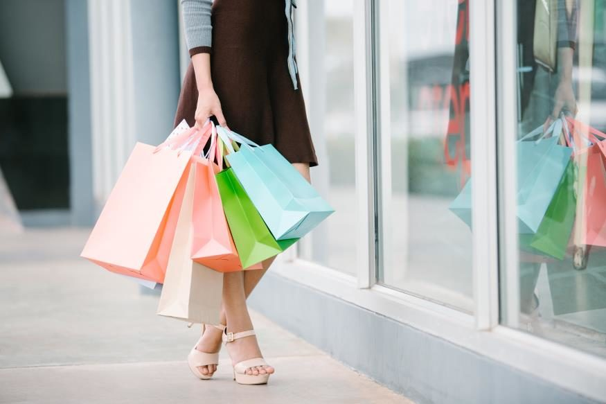 many-shopping-bags-7147158