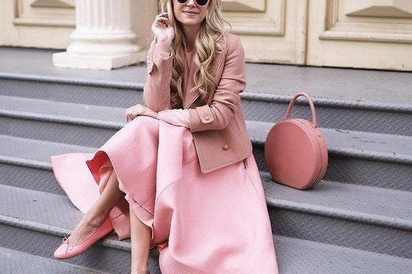 Как стильно выглядеть в розовом