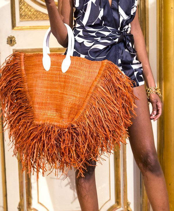 jacquemus-runway-paris-fashion-week-womenswear-spring-summer-2019-2